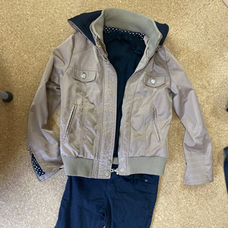 セシルマクビー(CECIL McBEE)のジャケット ベージュ 水玉(ライダースジャケット)