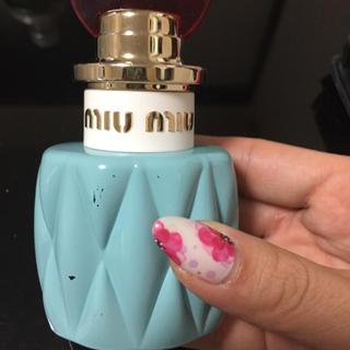 ミュウミュウ(miumiu)のmiumiu 日本未発売香水(香水(女性用))