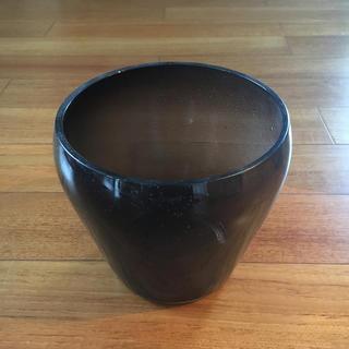 フランフラン(Francfranc)の透明感のある素敵な花器(花瓶)