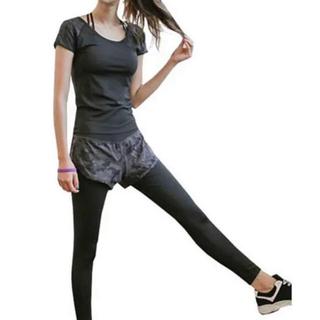 アディダス(adidas)のフィットネス 、ランニング、ヨガに ショートパンツ付レギンス タイツ カモフラ(ヨガ)