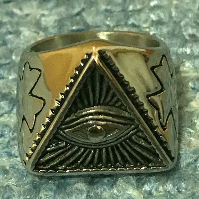 Supreme(シュプリーム)のイルミナティリング 指輪 メンズのアクセサリー(リング(指輪))の商品写真