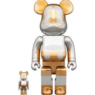 メディコムトイ(MEDICOM TOY)のBE@RBRICK FUTURE MICKEY 100&400(キャラクターグッズ)