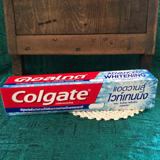 Colgate Advanced Whitening 歯磨き粉 日本未発売