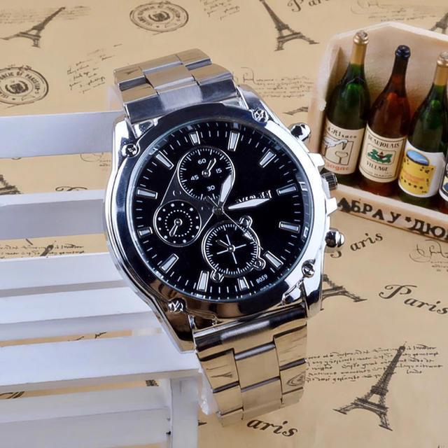 ファッション  腕時計  メンズ  レディース  クロノグラフ  ディスプレイの通販