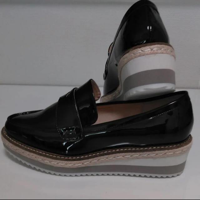 EVOL(イーボル)のILIMA エナメルローファー  レディースの靴/シューズ(ローファー/革靴)の商品写真