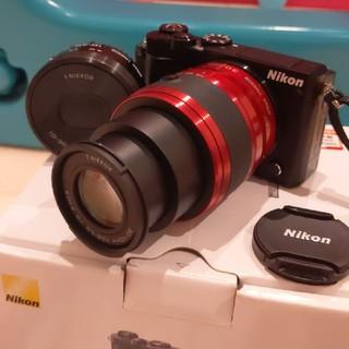 Nikon - NIKON j5 ミラーレス 一眼レフ デジタル一眼レフ 美品