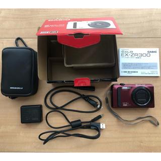 カシオ(CASIO)のCASIO HIGH SPEED EXILIM EX-ZR300RD ケース付き(コンパクトデジタルカメラ)