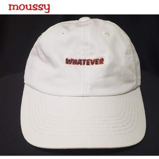 マウジー(moussy)のmoussy  シンプルロゴ ホワイトキャップ(キャップ)