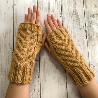 手編み☆洗濯機で洗えるハンドウォーマー/キャメル(手袋)