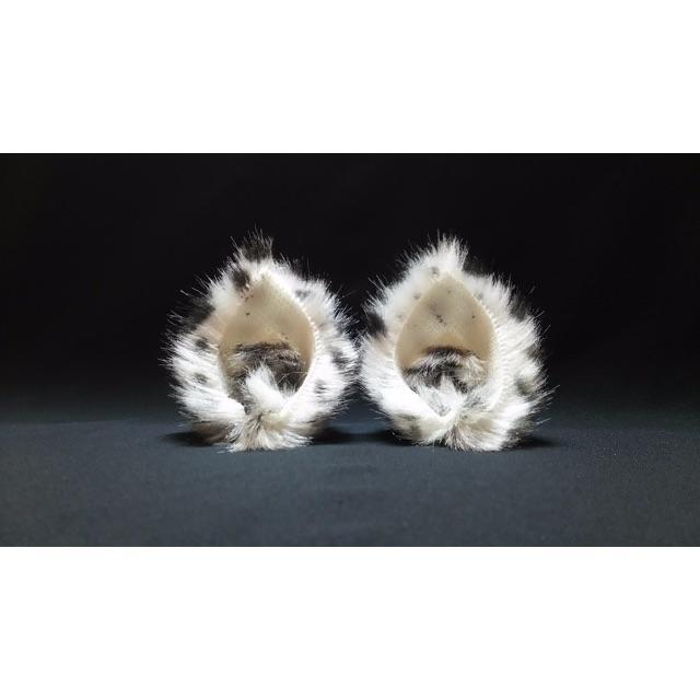 【 スノーレオパルドネコミミ 】ヘアピンねこみみ◆ユキヒョウ風ねこ耳◆髪に猫耳 ハンドメイドのアクセサリー(ヘアアクセサリー)の商品写真
