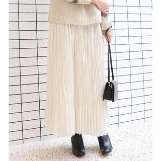イエナ(IENA)の週末値下げ!新品タグ付きIENA 白プリーツロングスカート(ロングスカート)