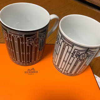 エルメス(Hermes)のエルメス Hデコ マグカップ ペア ホワイト ブラック HERMES カップ(グラス/カップ)
