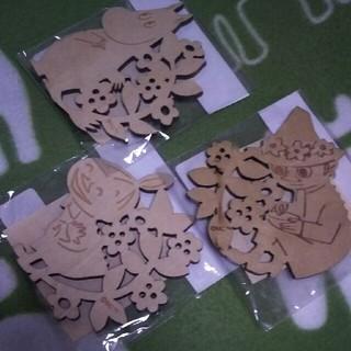 リトルミー(Little Me)のムーミン木彫コースター(テーブル用品)