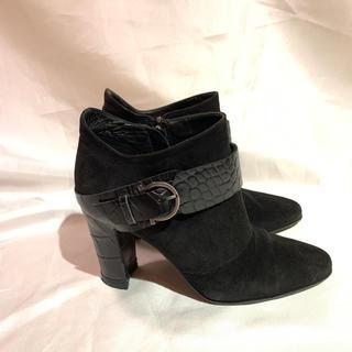 サルヴァトーレフェラガモ(Salvatore Ferragamo)の美品❤︎フェラガモ黒ショートブーツ❤︎22㎝(ブーツ)