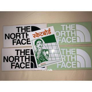 ザノースフェイス(THE NORTH FACE)のザノースフェイス ステッカー 白黒2枚 シュプリーム 1枚(ステッカー)
