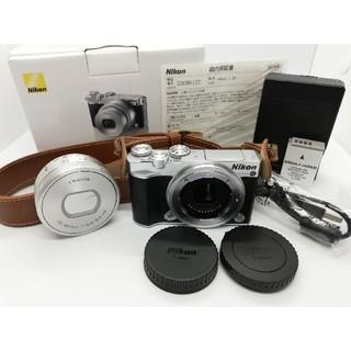 Nikon - ⭐本体美品⭐僅か960S!ニコンミラーレス Nikon1 J5ズームレンズキット