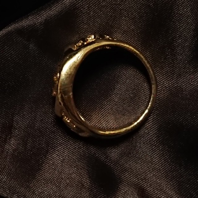❣️新品❣️27号・獅子彫刻ゴールドリング❣️ メンズのアクセサリー(リング(指輪))の商品写真