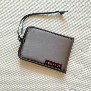 ルナソル(LUNASOL)のルナソル ノベルティ ミラー付カードケース(名刺入れ/定期入れ)