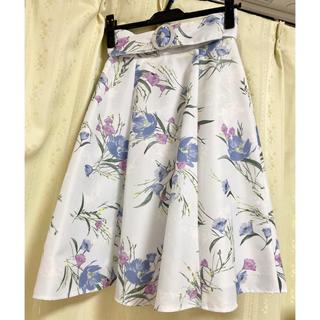 アプワイザーリッシェ(Apuweiser-riche)の2019SSベルト付き花柄スカート(ひざ丈スカート)
