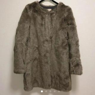 ユニクロ(UNIQLO)のユニクロ  ノーカラー ファーコート(毛皮/ファーコート)
