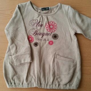 ベベ(BeBe)のトレーナー 刺繍(Tシャツ/カットソー)
