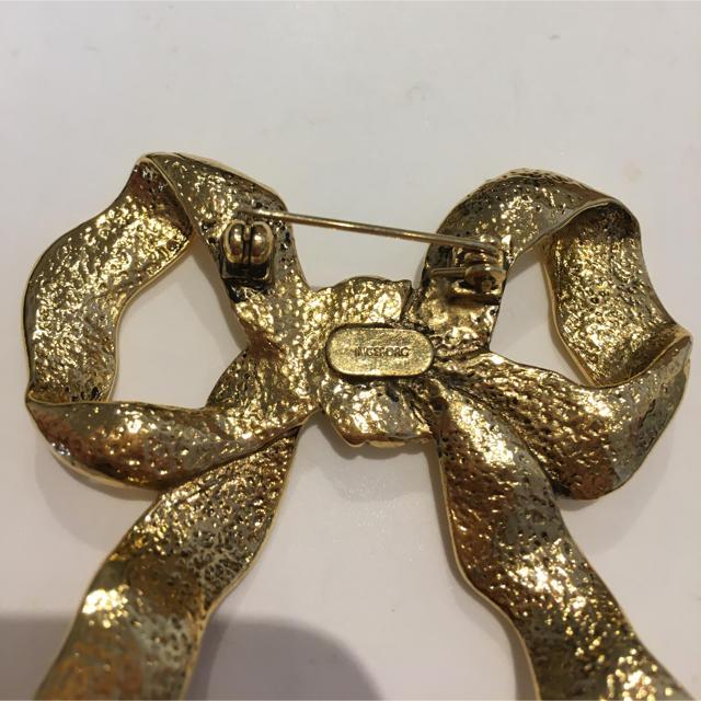 INGEBORG(インゲボルグ)のINGEBORG リボンモチーフブローチ ゴールド 刻印入り #Cattleya レディースのアクセサリー(ブローチ/コサージュ)の商品写真