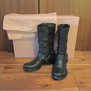 ミュウミュウ(miumiu)のmiumiu ミュウミュウ エンジニアブーツ 黒 36(ブーツ)