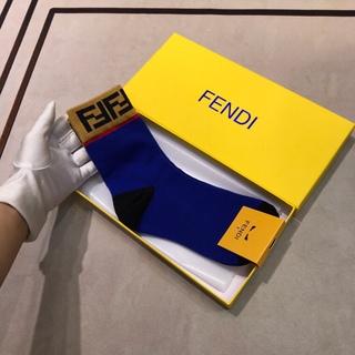 フェンディ(FENDI)のFendi靴下2足値段!!(色は選びできます)(ソックス)
