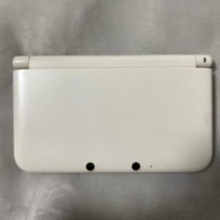 ニンテンドー3DS(ニンテンドー3DS)のニンテンドー3DS LL ホワイト 充電器つき(携帯用ゲーム機本体)