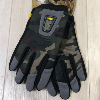 バートン(BURTON)の【新品】スノーボードパイプグローブ GMC glove Mサイズ(アクセサリー)