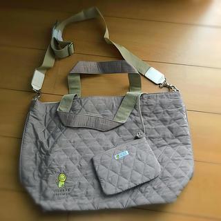 バーニーズニューヨーク(BARNEYS NEW YORK)の知人から頂いた母子手帳ケースとマザーズバッグです。シンプルなデザインです。(その他)
