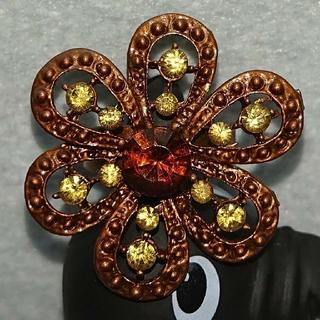 ラテカラー、紅茶色の花柄の指輪、フリーサイズ(リング(指輪))