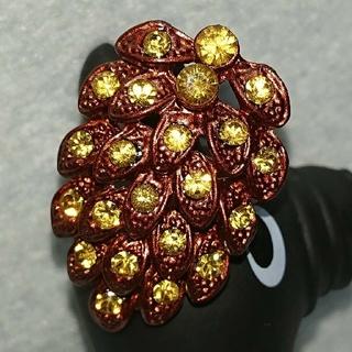 ラテカラー、紅茶色の松ぼっくり型の指輪、フリーサイズ(リング(指輪))