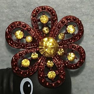 ラテカラー、紅茶色の花柄の指輪(黄色)、フリーサイズ(リング(指輪))