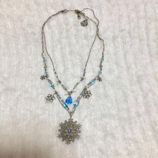 アクシーズファム(axes femme)の雪の結晶ネックレス(ネックレス)