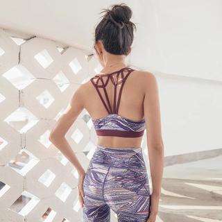 背中のデザインがかわいい♡パープル柄セットアップ♪紫 ヨガウェア ピラティス(ヨガ)