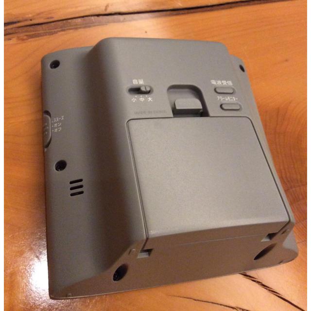 CASIO(カシオ)のカシオ電波目覚まし時計  DQD-230J  置時計 インテリア/住まい/日用品のインテリア小物(置時計)の商品写真