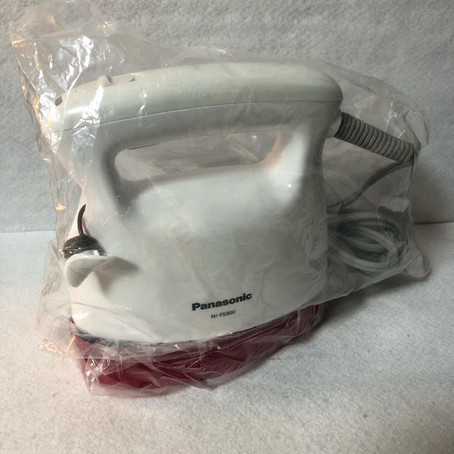 Panasonic(パナソニック)のパナソニック 衣類スチーマー ホワイト NI-FS300-W スマホ/家電/カメラの生活家電(アイロン)の商品写真