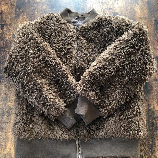 GU(ジーユー)のGU フェイクファー ブルゾン キッズ/ベビー/マタニティのキッズ服女の子用(90cm~)(ジャケット/上着)の商品写真