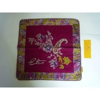 ETRO - 新品 エトロ(西川産業)フェルト地美しい刺繍のクッションカバーピンク22000円