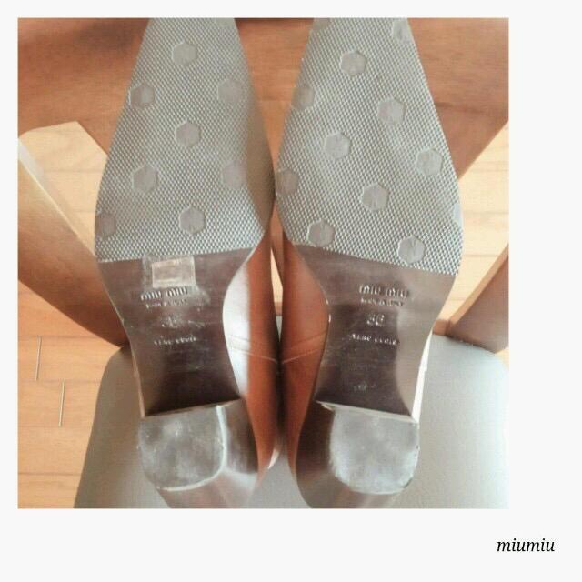 miumiu(ミュウミュウ)の最終お値下げ!美品 miumiu ロングブーツ 36 レディースの靴/シューズ(ブーツ)の商品写真