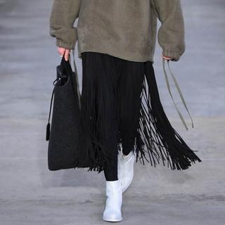 ハイク(HYKE)のハイク フリンジスカート 黒 サイズ1(ロングスカート)