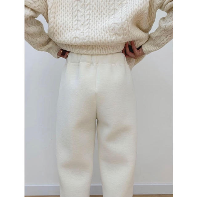 NUGU fluffy cushion pants レディースのパンツ(カジュアルパンツ)の商品写真
