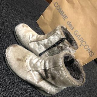 コムデギャルソン(COMME des GARCONS)のPAJARブーツ アザラシの毛(ブーツ)