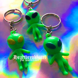 👽 Vintage Alien Green key holder 🌐(キーホルダー)