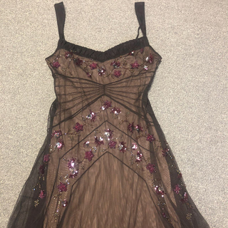 ビーシービージーマックスアズリア(BCBGMAXAZRIA)のビーシービージー BCBG MAXAZRIAロングドレス ビーズキラキラ刺繍(ミディアムドレス)