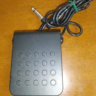 カシオ(CASIO)のCASIOキーボード用ペタルとマイク(キーボード/シンセサイザー)