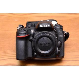 ニコン(Nikon)のニコン「D7200」ボディ 美品(完動品) シャッター数:1,000回以下(デジタル一眼)