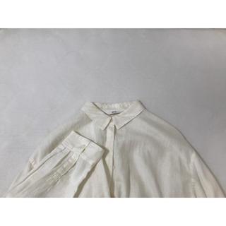 UNIQLO - UNIQLO ホワイトシャツ