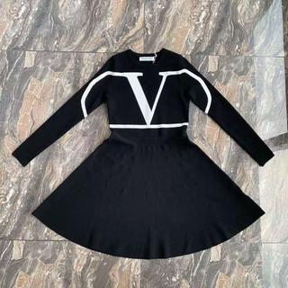 ヴァレンティノ(VALENTINO)のVALENTINO Vロゴ ストレッチ ヴィスコース ミニドレス(ひざ丈ワンピース)